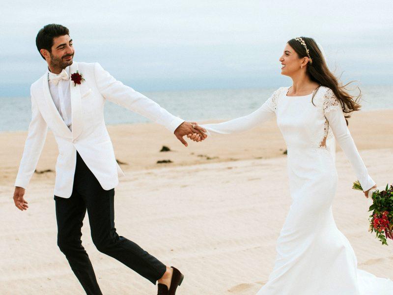 beach-bride-bride-and-groom-1679822.jpg